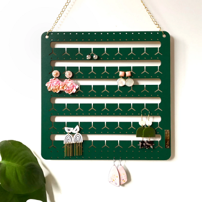 Nest-Seven_Hanging-Bunny_Nose_Drop_earring_holder_Forest-Green_Bon-Maxie