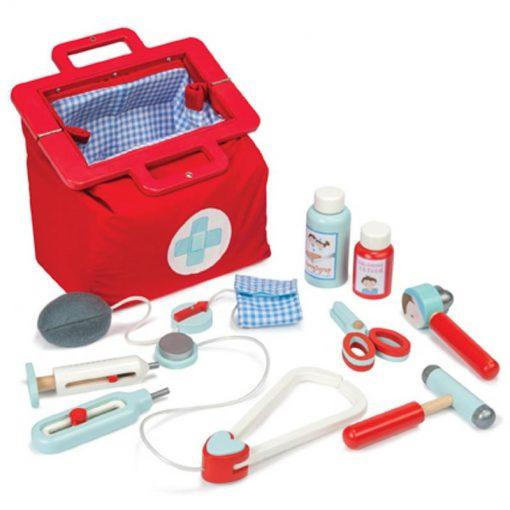 le-toy-van-wooden-pretend-play-toys-doctors-set-main-295560-5373