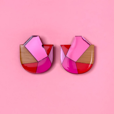 Nest-Seven-Geo-Mega-Stud-Pink-Red-Kissy.png