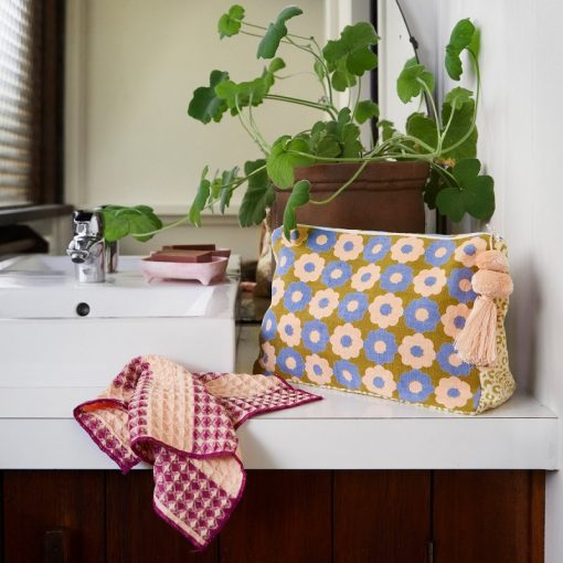 Nest-Seven-Emma-Cosmetic-Toiletry-Bag-Sage-Clare-LS.jpg