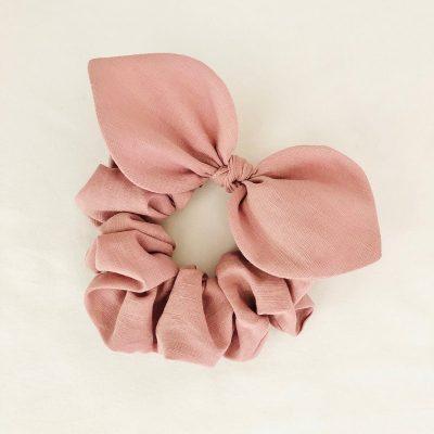 Nest-Seven-Bow-Scrunchie-Linen-Soft-Pink-Pip-Co.jpg